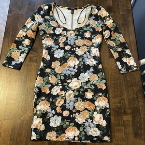 Forever 21 Floral Sheath Dress Size Small